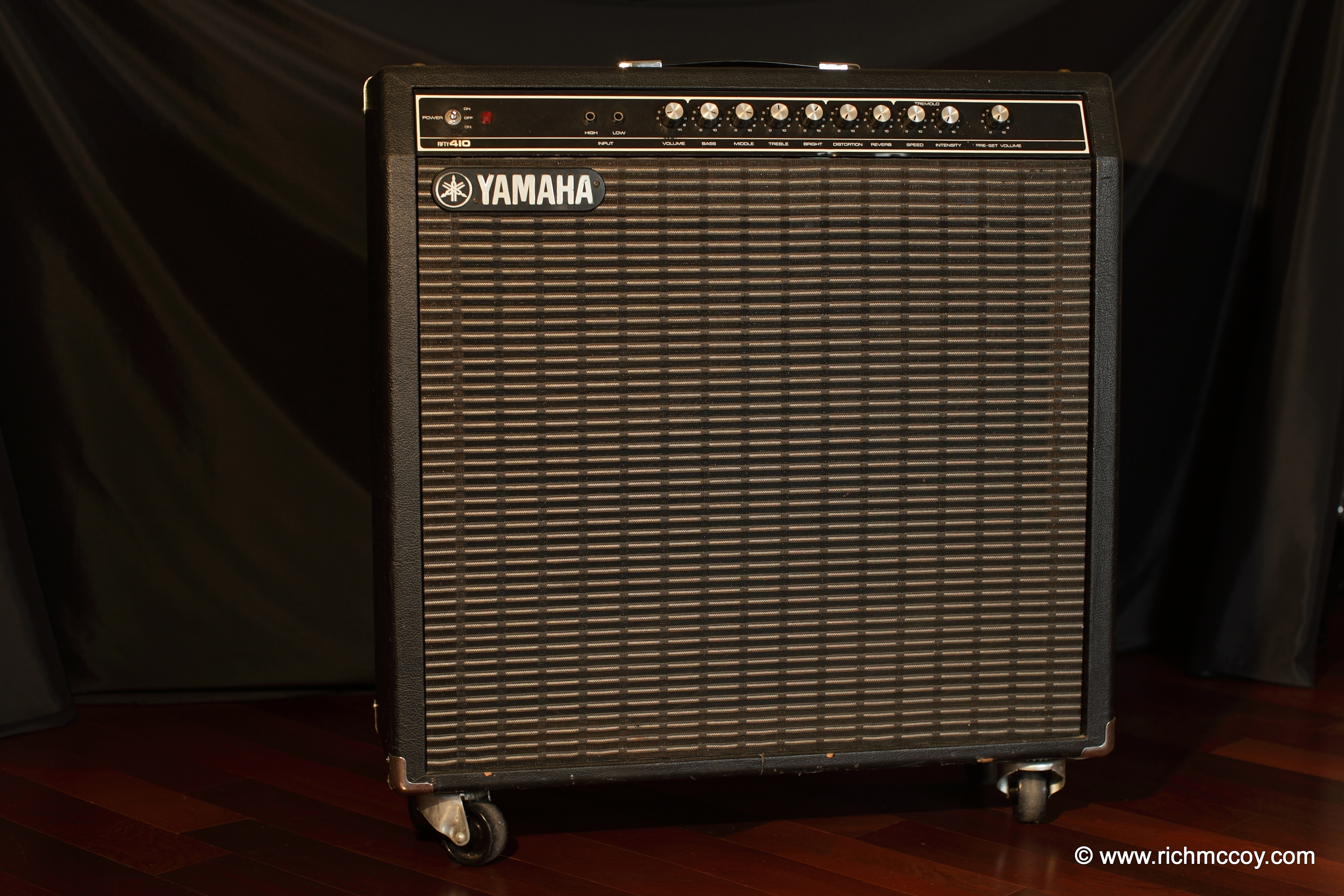 Rich mccoy 39 s guitars amps photo gallery for Yamaha bass guitar amplifier
